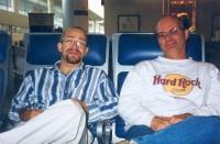 Ingmar med Lee Wedlake på flygplatsen i Plymouth